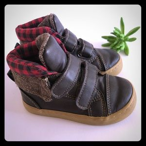 GAP toddler boy boots